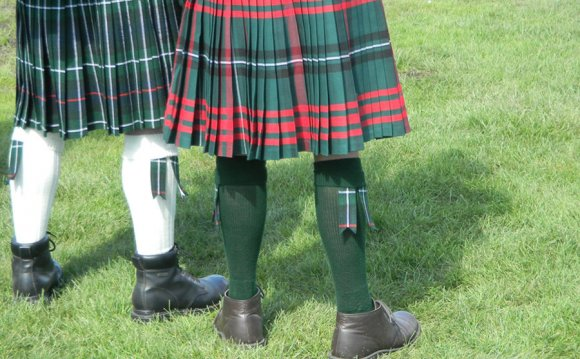 Nice Breeze Up the Kilt by