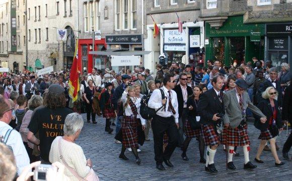 Broun Clan Crest